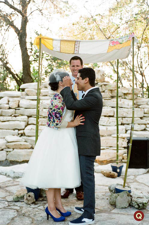 QWeddings_ceremony_kiss_268