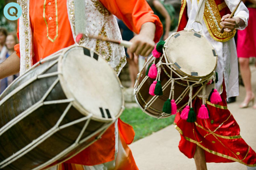 dholi drummers at indian fusion wedding