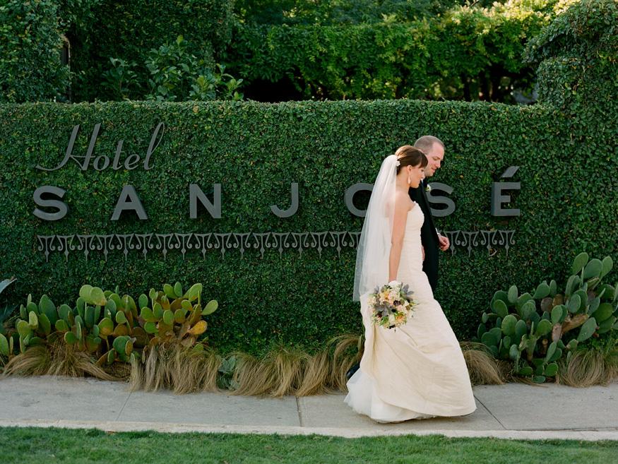 A wedding held at Austin's Hotel San Jose. Photo by Suzi Q. Varin / Q Weddings.